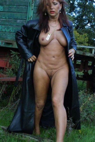 Faustine, 52 cherche une partie