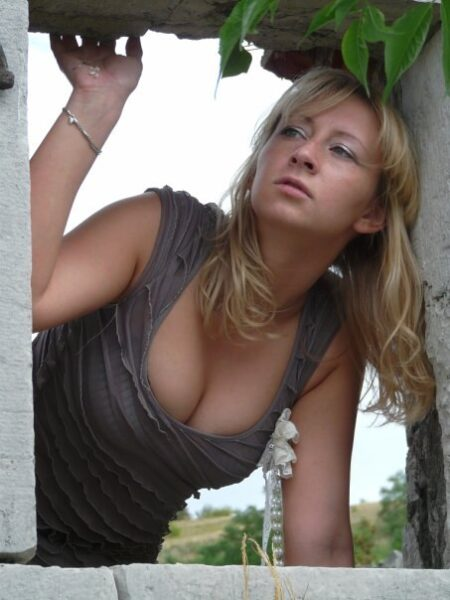 Ornella, 26 cherche une complicité sexuelle